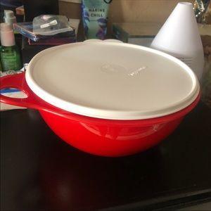 Tupperware Kitchen - NEW Tupperware Thatsa Bowl Passion Red